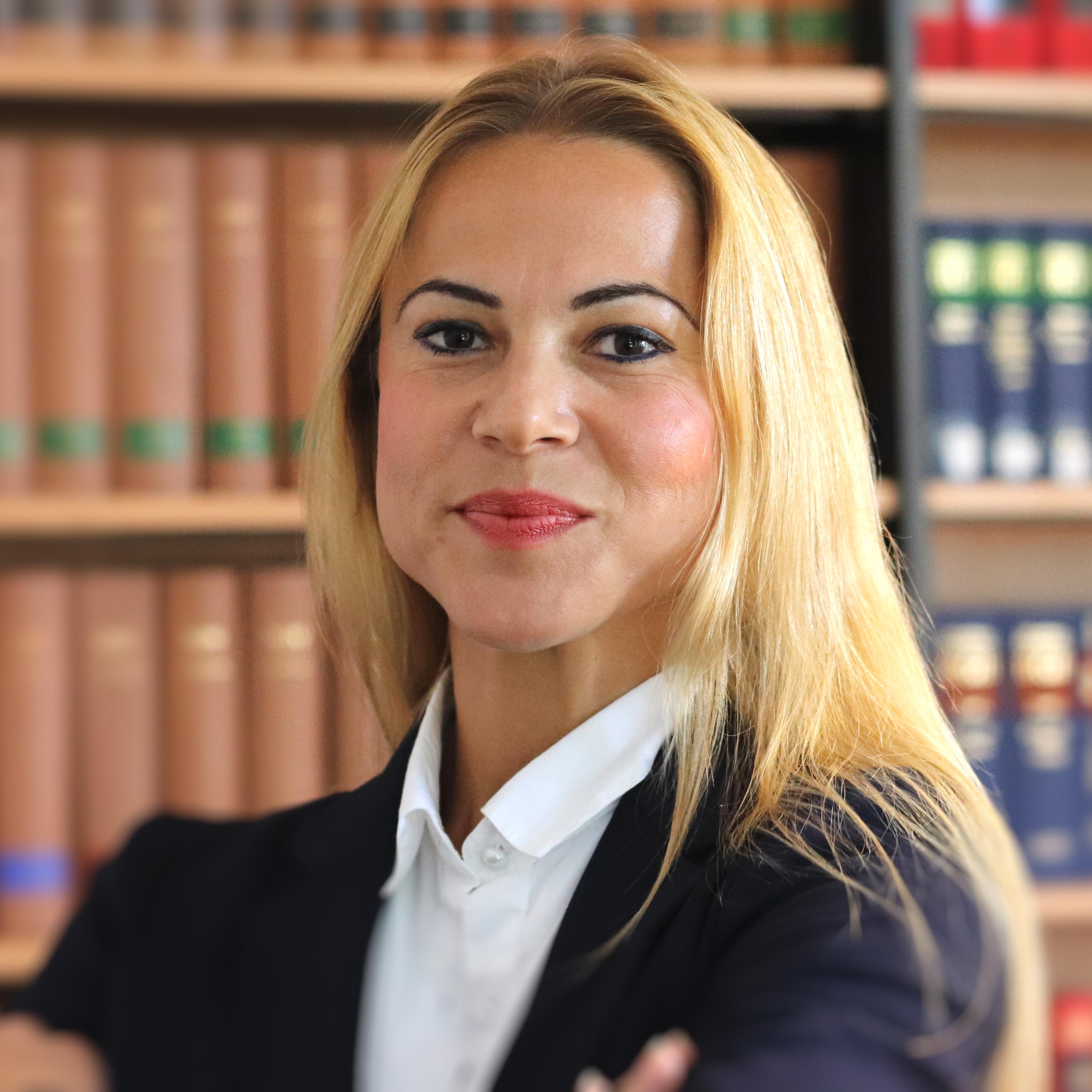 Mandy Hawelka – Rechtsanwältin für Familienrecht, Erbrecht, Arbeitsrecht und Wohnraummietrecht in Leipzig, Ihre Spezialistin für Scheidung Unterhalt Umgangsrecht Trennung Ehevertrag